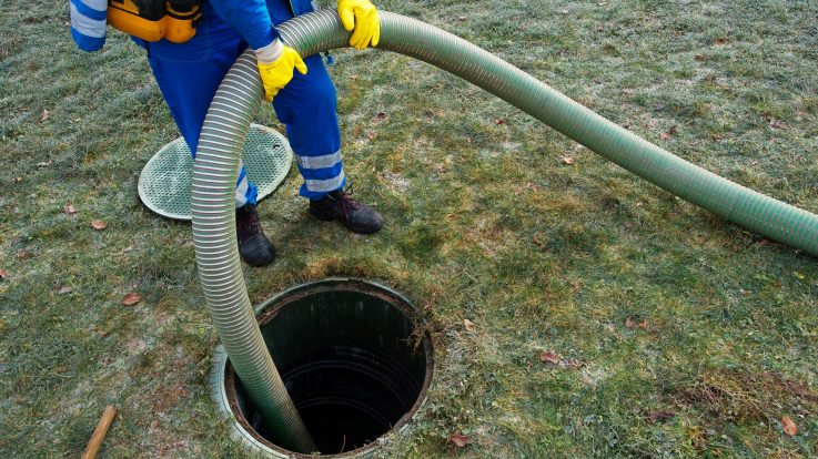4 Key Signs Your Septic Tank Needs Cleaning